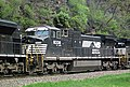 Norfolk Southern Railway - 8338 diesel locomotive (CW40-8) (Horseshoe Curve, Pennsylvania, USA) (27008295166).jpg