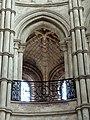 Noyon (60), cathédrale Notre-Dame, rond-point abside, vue vers le nord dans la tribune.jpg