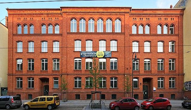 datei:oberstufenzentrum-elinor-ostrom-schule-pappelallee-berlin