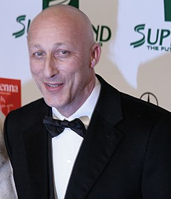Oliver Hirschbiegel, Women's World Awards 2009.jpg