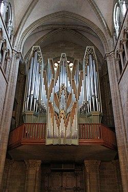 Organ of the Cathédrale Saint-Pierre de Genève - panoramio (1).jpg