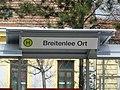 P1220805 06.04.2018 Wartehaus Bus Breitenlee Ort neu.jpg