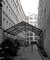 P1220898 Paris XI rue fbg-st-Antoine n71 cour des shadoks rwk.jpg