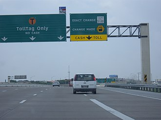 President George Bush Turnpike - Approach to toll plazas in north Dallas, April 22, 2008, before the plaza closures in 2009.
