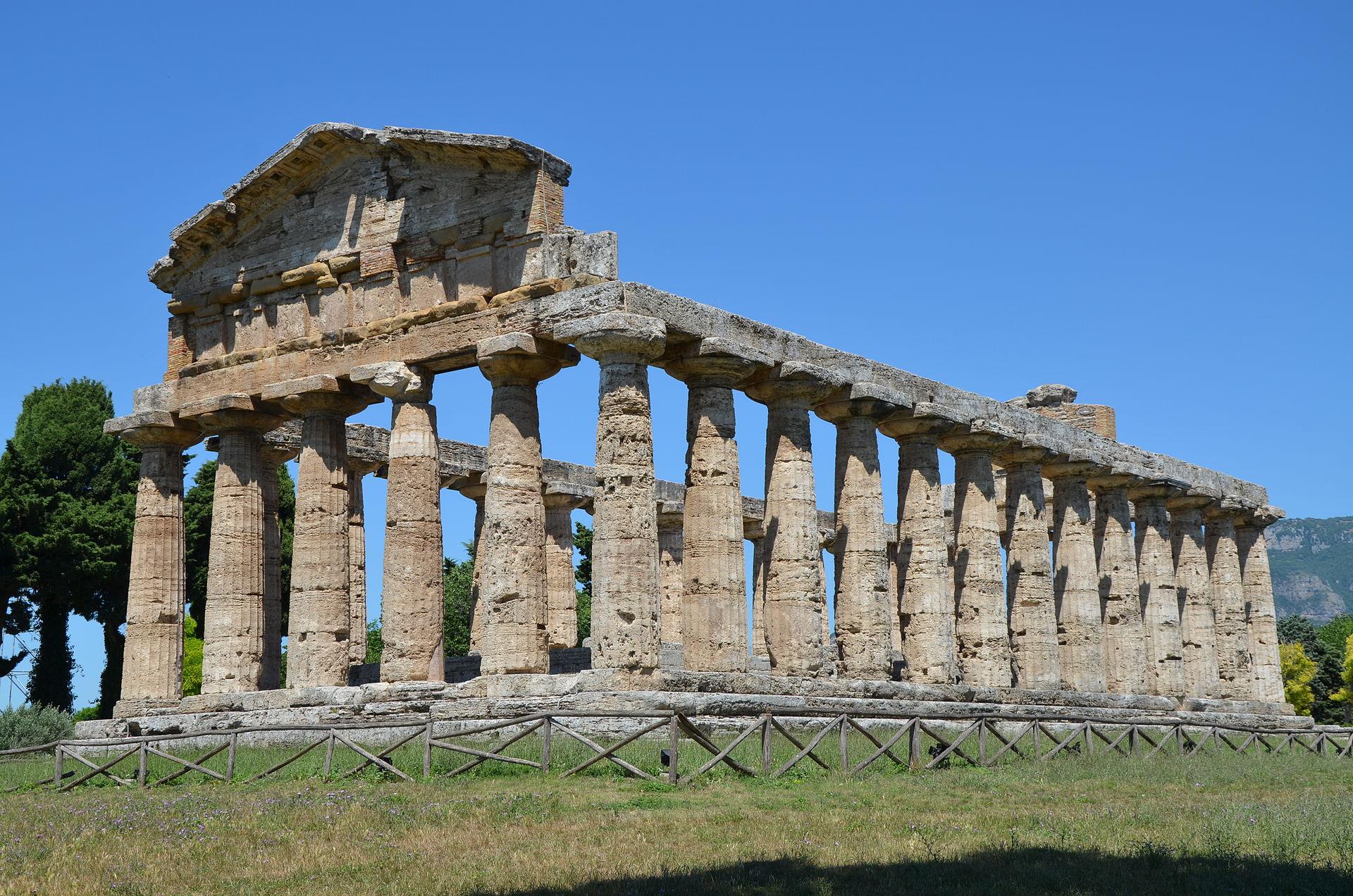 Paestum, Italy (15036437317).jpg