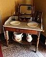 Palazzo pfanner, alcova con lavabo del xix secolo.jpg