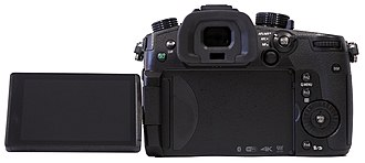 Panasonic Lumix DC-GH5 - Image: Panasonic.Lumix.DC GH5.back