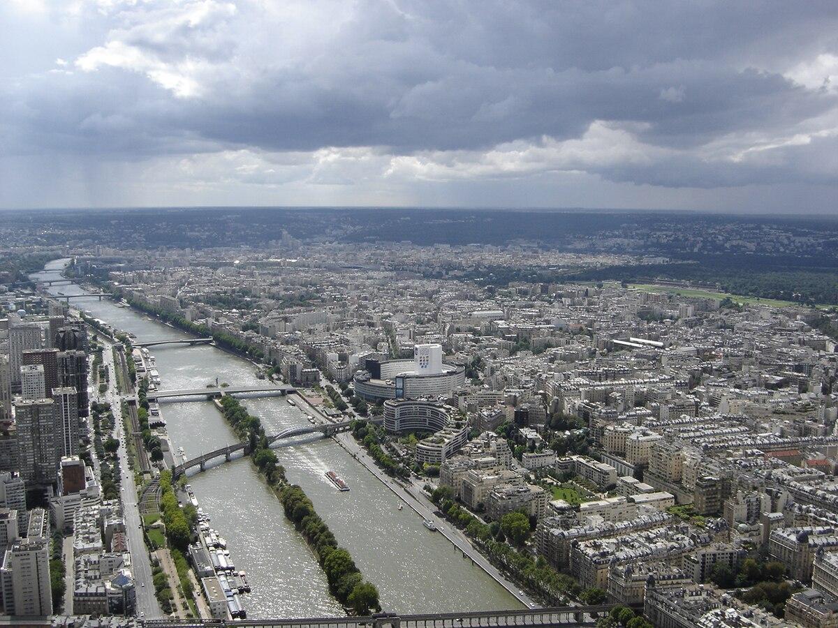 nejlepší místa pro připojení v Paříži muž chodí s někým, když je ženatý