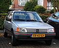 Peugeot 205 1.1 GL (10515745363).jpg