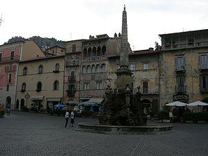 Tagliacozzo - Piazza dell'Obelisco.