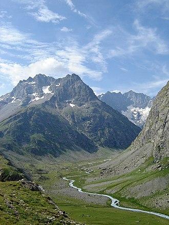 Écrins National Park - Image: Pics de Chamoissiere Romanche