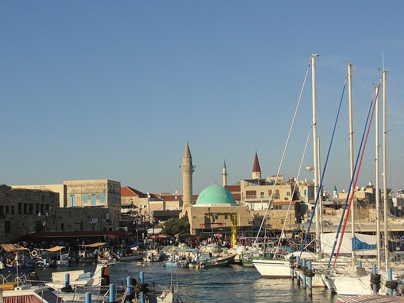 טיילת עכו ,המסגד והכנסייה של עכו