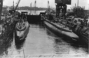 Piper (SS-409) & Threadfin (SS-410).jpg