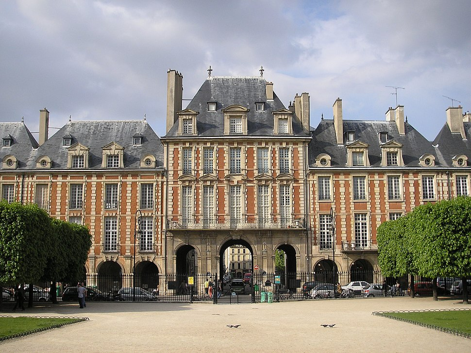 History of Paris - Howling Pixel