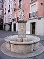 Place de Gordes (Fontaine).jpg