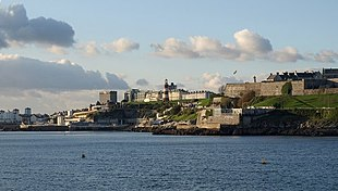 """Plymouth Hoe viewed from <a href=""""http://search.lycos.com/web/?_z=0&q=%22Mount%20Batten%22"""">Mount Batten</a>"""