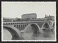 Pont neuf avec l'école supérieure de garçons de Bourg-de-Péage (34585289091).jpg