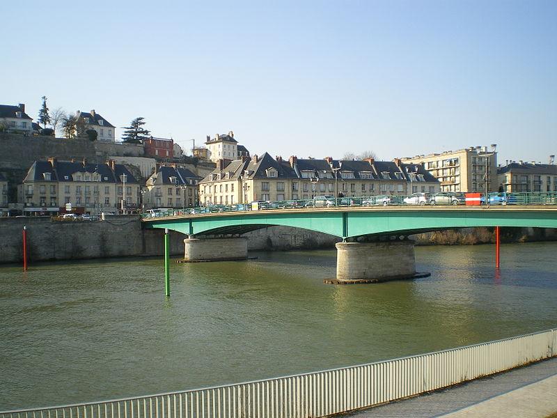 File:Pontoise - Avril 2013 - Pont de l'oise (2).JPG