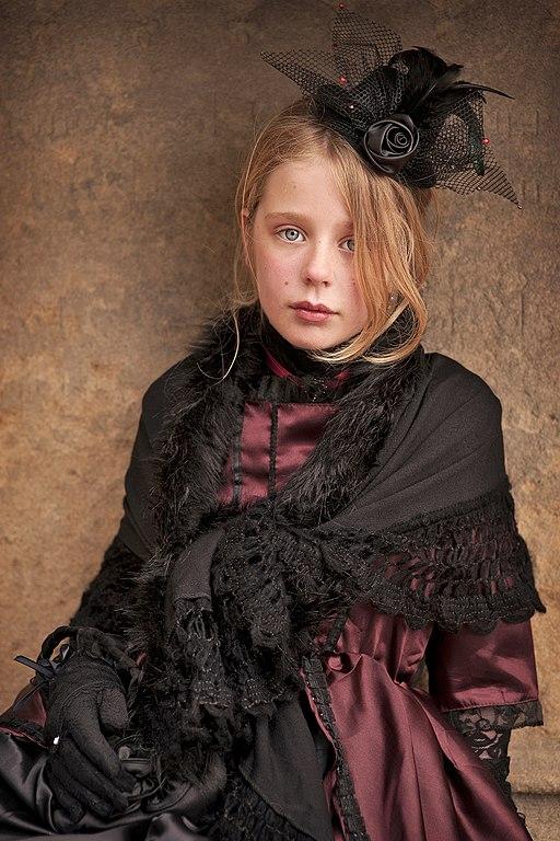 File Portrait Whitby Gothic Weekend 2013 Jpg Wikimedia