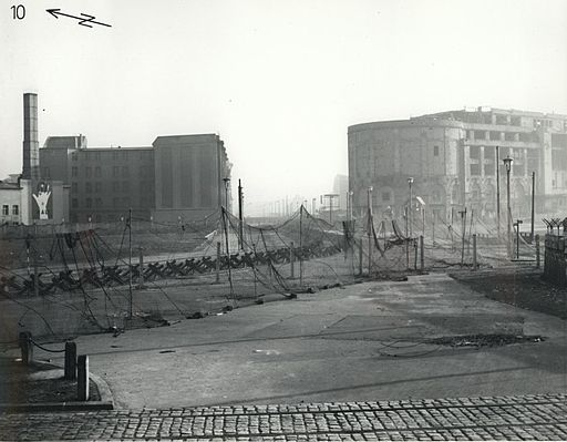 Potsdamer Platz, 1961-11-22 [By Department of Defense. Department of the Army. U.S. Army Europe. U.S. Army Berlin. Berlin Brigade (National Archives of the United States, Website) [Public domain], via Wikimedia Commons]