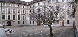 Prague Castle, 4th courtyard.jpg