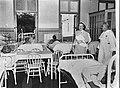 Prinses Juliana bezoekt ziekenhuis op de Nederlandse Antillen, Bestanddeelnr 900-0368.jpg