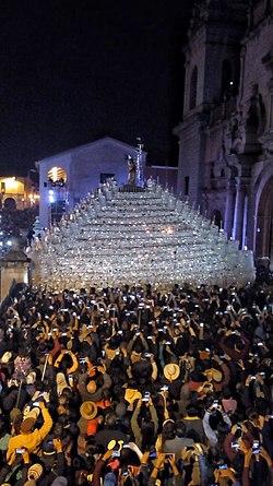 Semana Santa en Ayacucho - Wikipedia b45bb8f95e7
