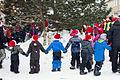 Røros barn rundt juletreet.jpg