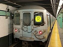 R46 (R) train 71st AVE.jpg