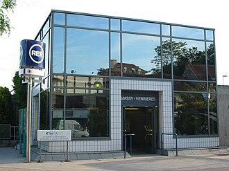 Gare de Massy-Verrières - Image: RER B Massy V3