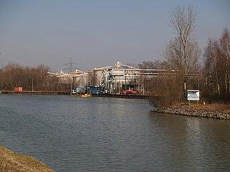 Rhine–Herne Canal - Looking east towards Port Rütgers