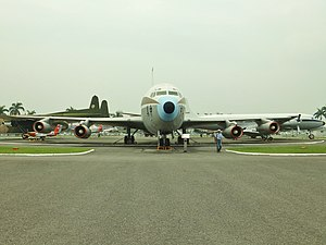ROCAF B-720 Chung-Mei Special Mission Plane Front View 20111015.jpg