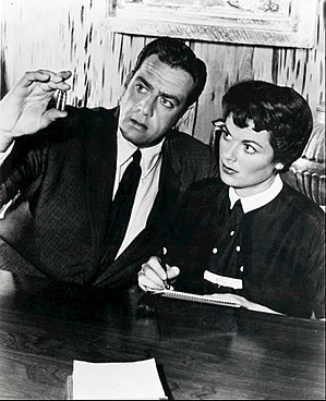 Della Street - Perry Mason (Raymond Burr) and Della Street (Barbara Hale) in the CBS-TV series, Perry Mason (1958)