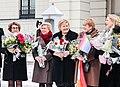 Regjeringen utenfor slottet. Foto- Liv Aarberg - 32993890828.jpg