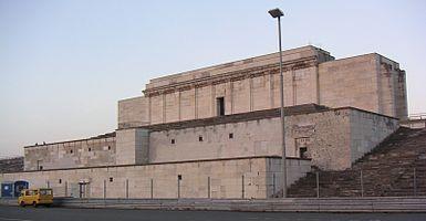 Те��и�о�ия ��ездов НСДАП в Н��нбе�ге � Википедия