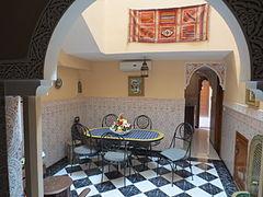 Riad wikip dia - Salle a manger marocaine ...