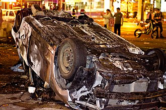 Violence in sports - Damaged vehicle in the aftermath of the 2011 Vancouver Stanley Cup riot