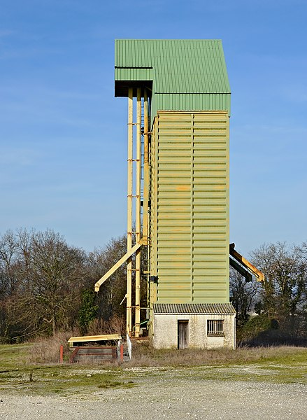 Grain silo near road D 2, South view. Rouffiac, Charente, France.