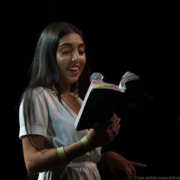 Resultado de imagen de rupi kaur reading her poems