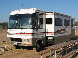 English: A Class A motorhome with the slide-ou...