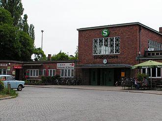 Potsdam Griebnitzsee station - Station building, 2005