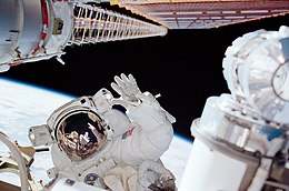 STS-97 Second Spacewalk.jpg