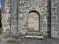 Saint-Éloy-les-Tuileries église portail ouest.jpg