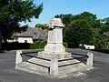Saint-Geniez-ô-Merle monument aux morts.JPG