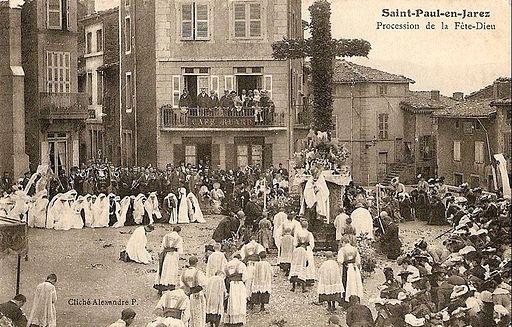 Saint-Paul-en-Jarez (Loire), procession de la Fête-Dieu