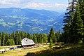 Schwarzseehütte 1750 m am Verditz in den Kärntner Nockbergen.jpg