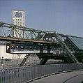 Schwebebahn Wuppertal mit Werbung 1990 04 2.JPG