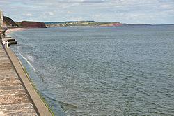 Sea wall near Dawlish (4907).jpg