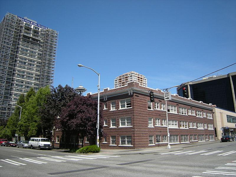 File:Seattle - Lexington-Concord Apartments 03.jpg