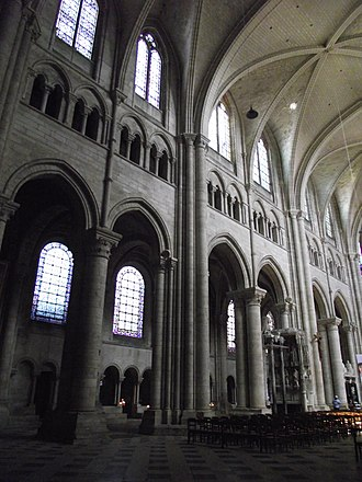 Early Gothic triple elevation Sens Cathedral (1135-1164) Sens, Cathedrale Saint-Etienne, 1135-1534 (31).jpg